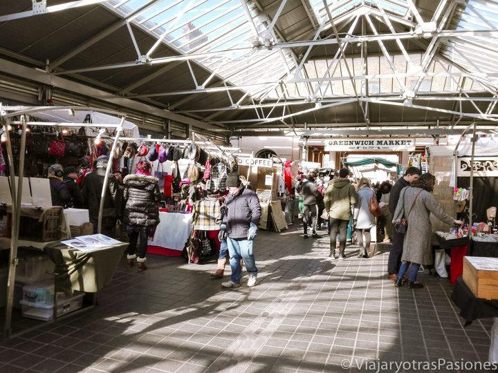 Sala principal del mercado de Greenwich en Londres, Inglaterra