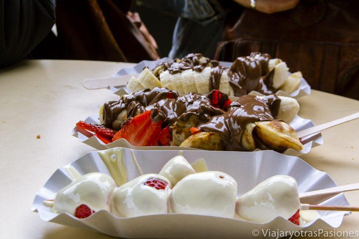 Deliciosos postres de chocolate en el mercado de Camden Town, en Londres