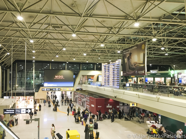 Sala de entrada del aeropuerto internacional de Fiumicino, en Italia