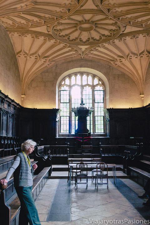 Una de las salas interiores de la Biblioteca Bodleiana en Oxford, Inglaterra