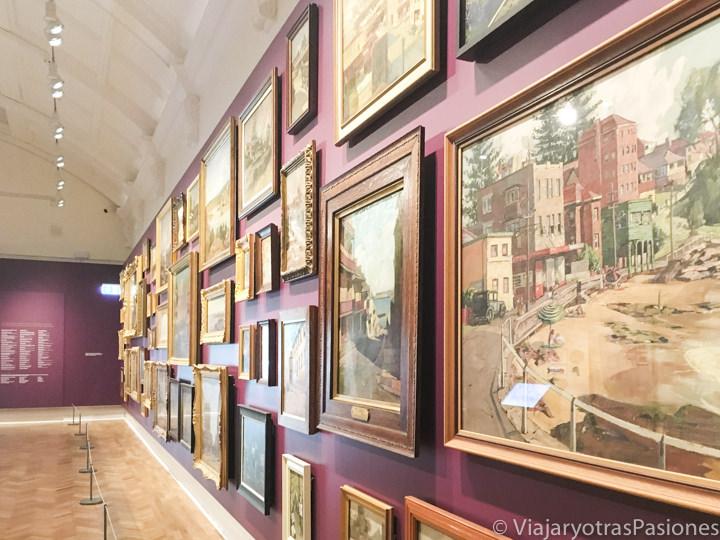 Exposición en el interior de la Biblioteca Estatal de New South Wales en Sydney