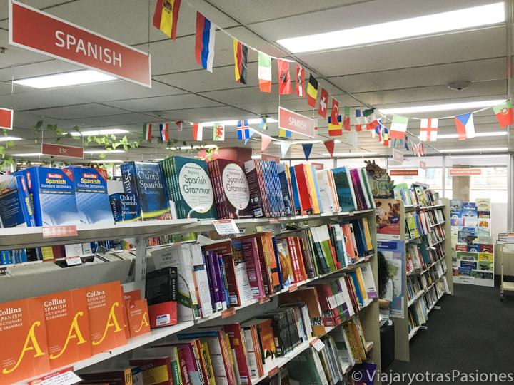 Apartado internacional en la librería Abbey's Bookshop en Sydney, Australia