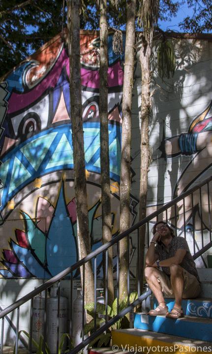 Bonita imagen con Street Art en el mercado de Kuranda, en una excursión desde Cairns