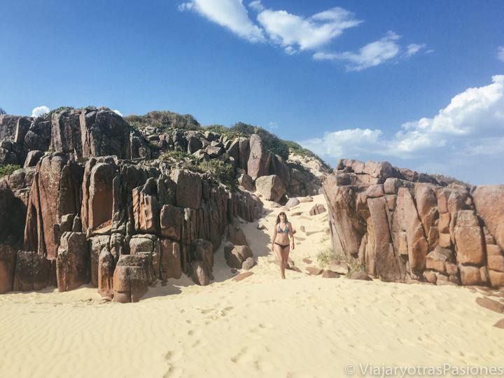 Espectaculares piedras coloradas en Birubi Beach, Australia