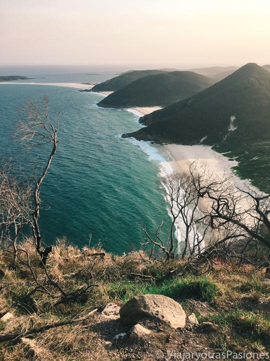 Vista hermosa desde la Tomaree Mountain en Port Stephens, Australia
