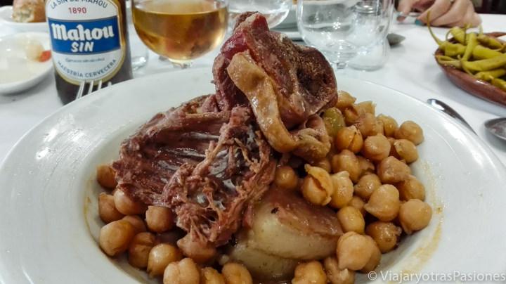 Imagen de un tradicional cocido, en España