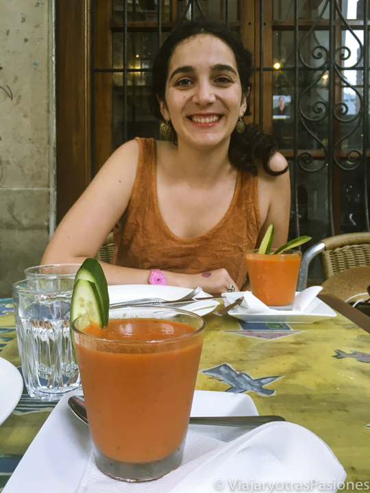 Vasos de Gazpacho en un restaurante de Sydney