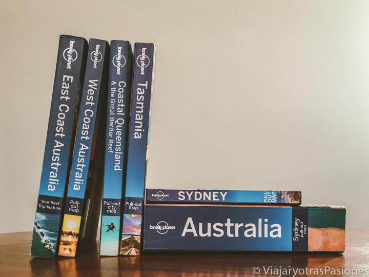 Selección de guías de viajes Lonely Planet sobre Australia