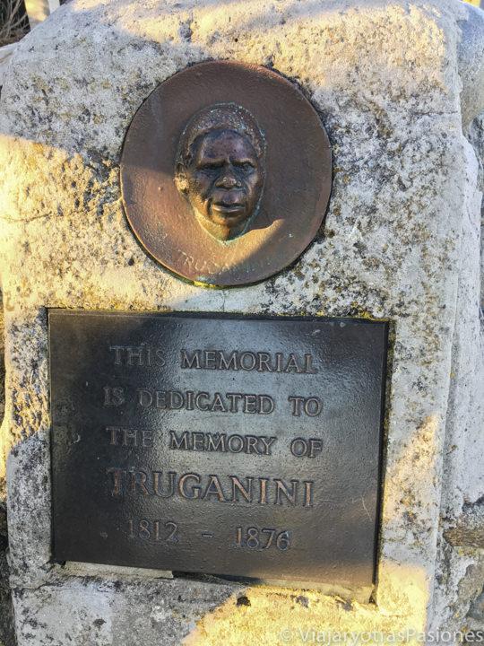 Placa para recordar Truganini en Bruny Island, Tasmania