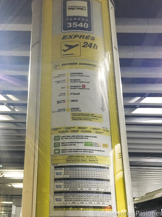 Información de las rutas y los horarios del bus en el aeropuerto de Madrid