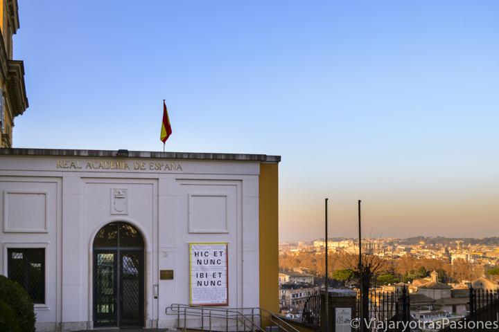Entrada de la Real Academia de España cerca de Trastevere en Roma, Italia