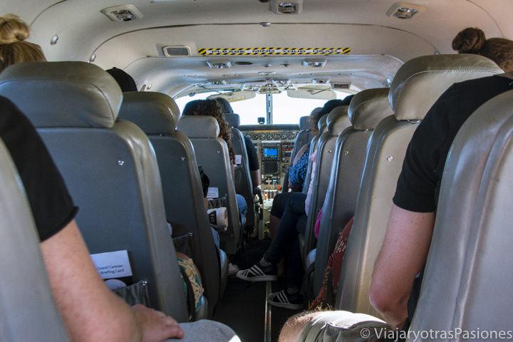 Interior del avión para sobrevolar la Gran Barrera de Coral, Australia
