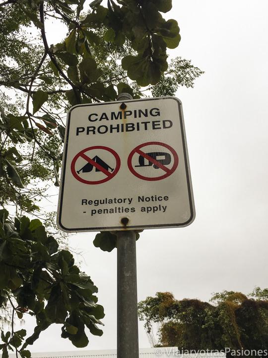 Señal de prohibición de camping, Australia