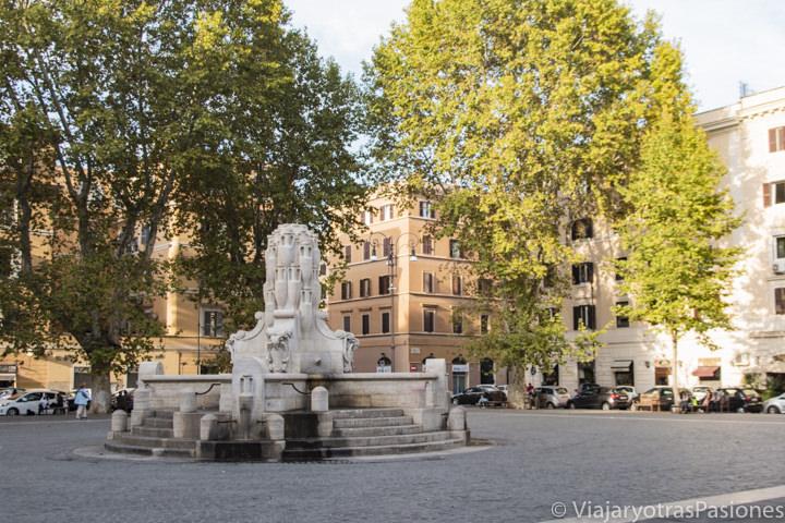 Hermosa imagen de la Piazza di Testaccio en Roma, Italia