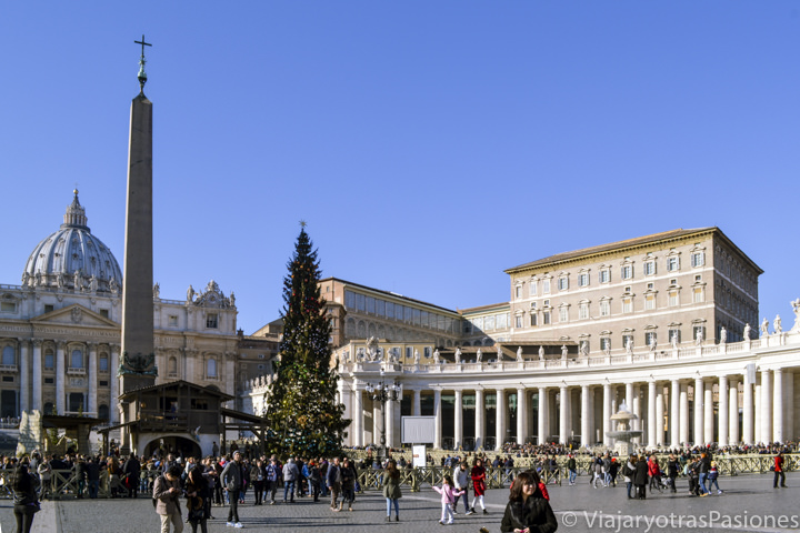 Espectacular panorámica de la hermosa plaza de San Pedro en el Vaticano, Roma