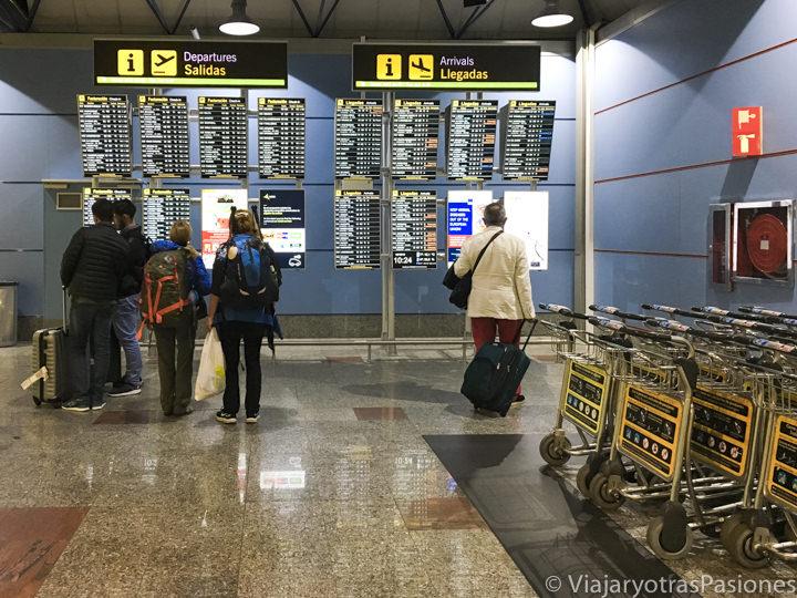 Interior del aeropuerto de Madrid, en España