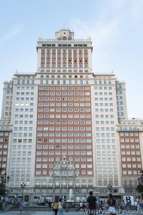 Fachada del icónico Edificio España, en Madrid