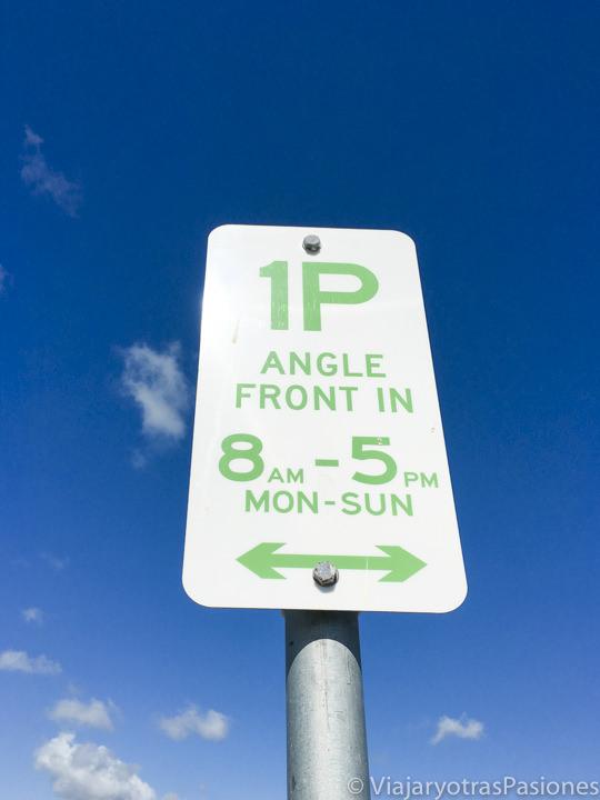Típico cartel del parking, esencial para conducir en Australia