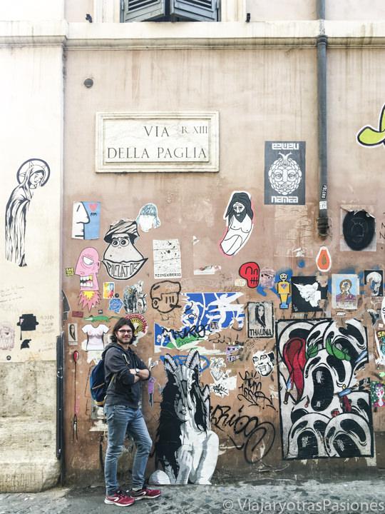 Imagen de Via della Paglia en el barrio de Trastevere en Roma, Italia
