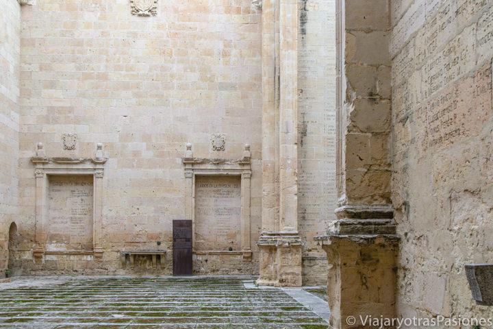 Vista de la ruinas de la Iglesia de San Agustín en Segovia, España