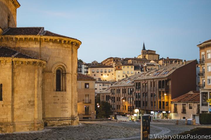 Ábside de la iglesia de San Millán en la Avenida del Acueducto en Segovia, España
