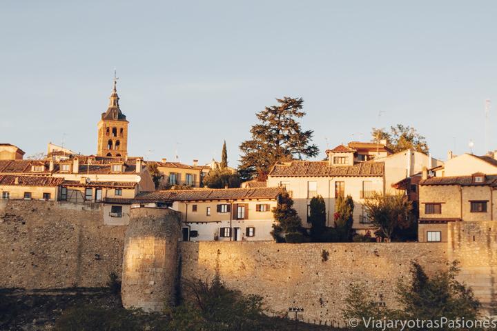 Espectacular panorama de la ciudad de Segovia, España