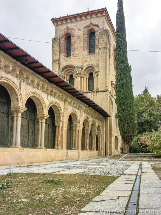 Detalle de la iglesia de San Juan de los Caballeros, actual museo Zuloaga, en Segovia