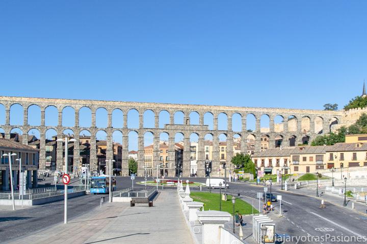 Típica vista del Acueducto de Segovia, España