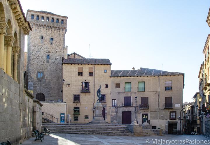 Vista panorámica de la Plaza de Medina del Campo en al centro histórico de Segovia