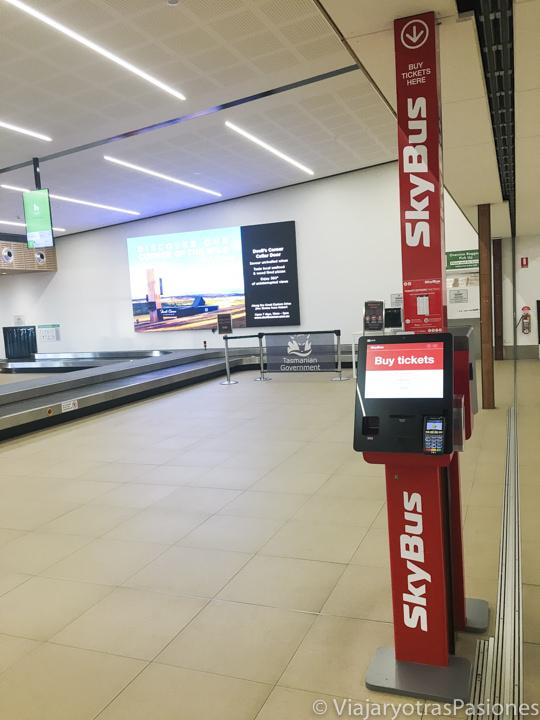 Taquilla para comprar los billetes de lo Sky Bus en el aeropuerto de Tasmania