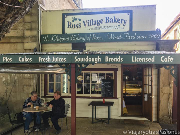 Entrada de la Ross Village Bakery de Ross en Tasmania, Australia