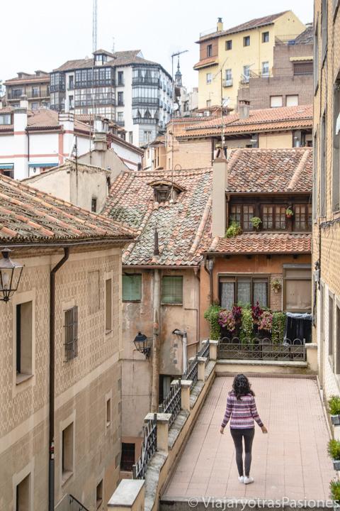 Increíble vista de los techos del barrio de San Millán, España