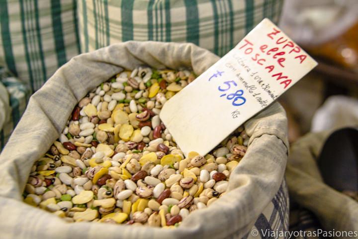 Imagen de las legumbres típicas de la Garfagnana cerca de Lucca