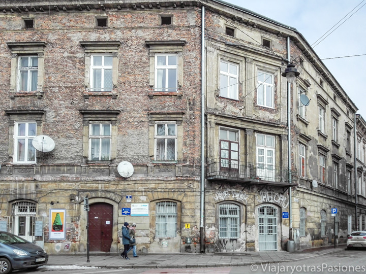 Típicos edificios en el barrio de Kazimierz en Cracovia, Polonia