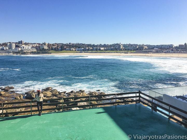 Espectacular vista desde el mirador en North Bondi Beach en Sydney, Australia