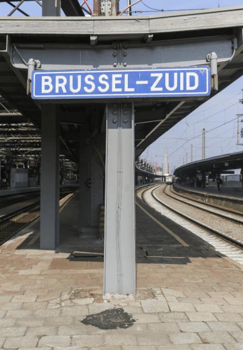 Cartel de estación Brussel-Zuid en Bélgica