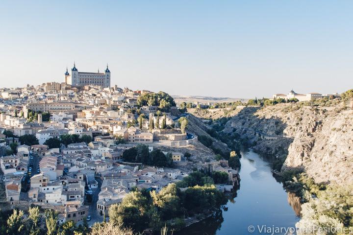 Espectacular vista desde el mirador del Valle en Toledo, España