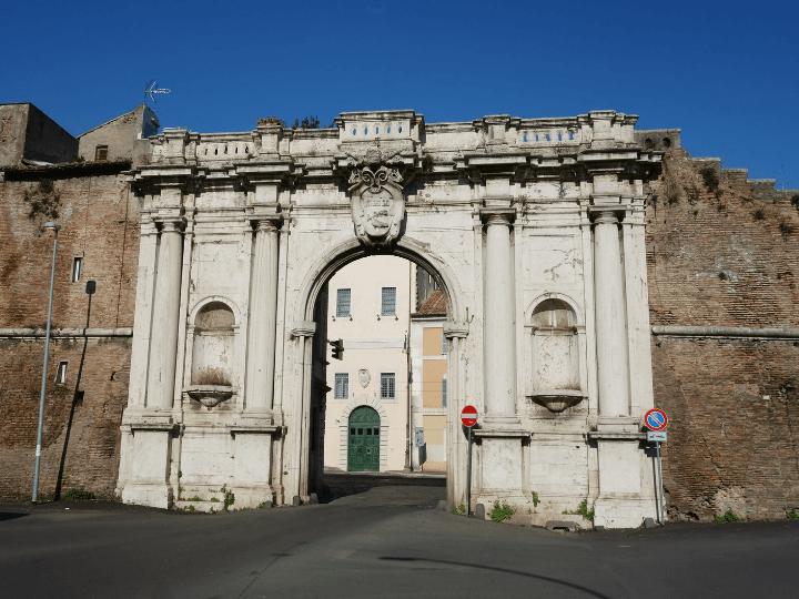 Imagen de la famosa Porta Portese en Trastevere, Roma