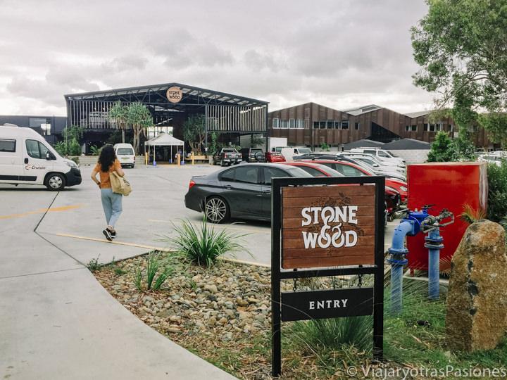 Entrada de la cervecería Stone and Wood en Byron Bay, Australia