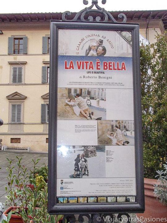 """Cartel de las locations de la famosa peli de Benigni """"La Vita è bella"""" en Arezzo"""
