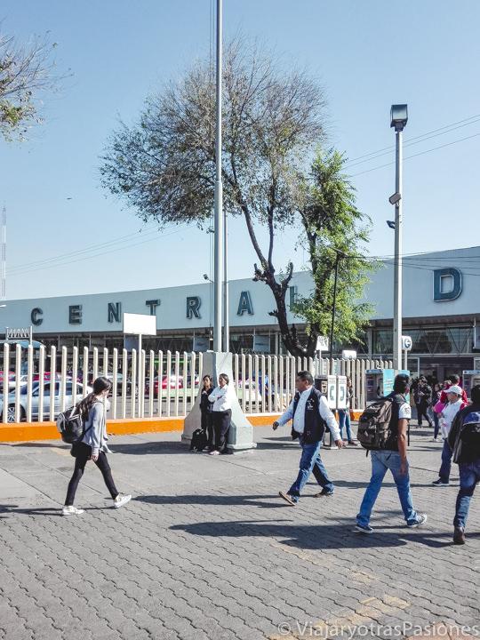 Llegada a la Terminal Central de Autobuses del Norte para ir a Teotihuacán, en México