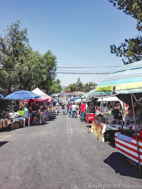 Mercadillo llegando a Teotihuacán en México