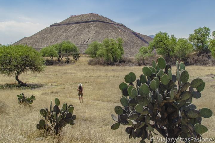 Espectacular vista de la Piramide del sol en Teotihuacán, México