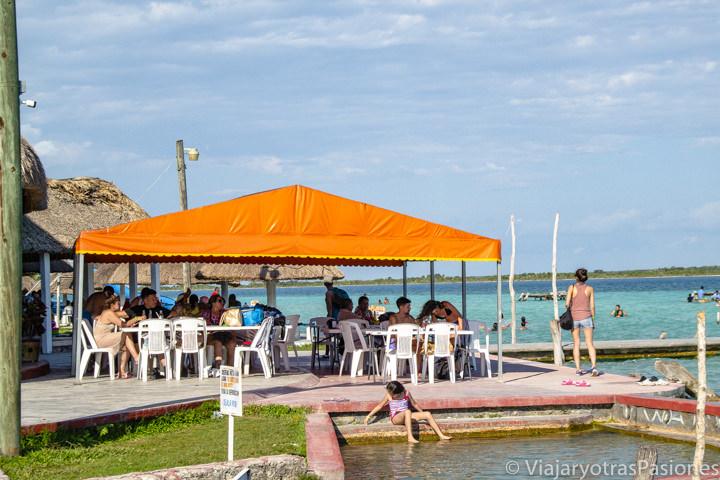 Detalle del Balneario Mágico, uno de los lugares más populares que ver en Bacalar