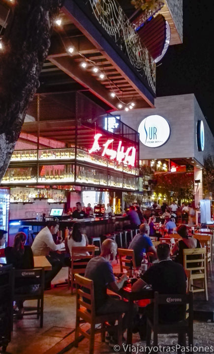 Bonitas terrazas de restaurantes en Playa del Carmen, México