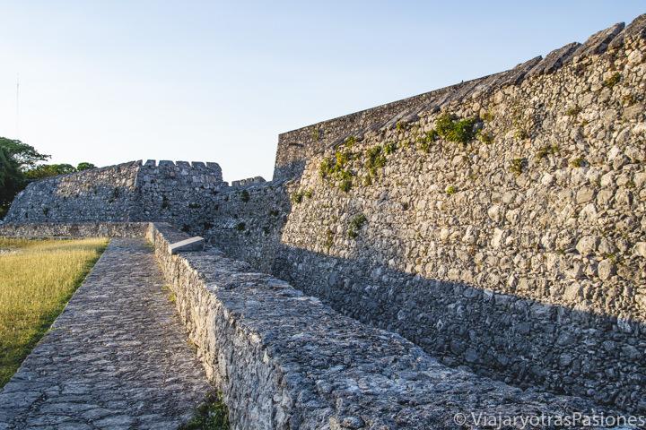 Viasta del Fuerte de San Felipe en Bacalar, en México