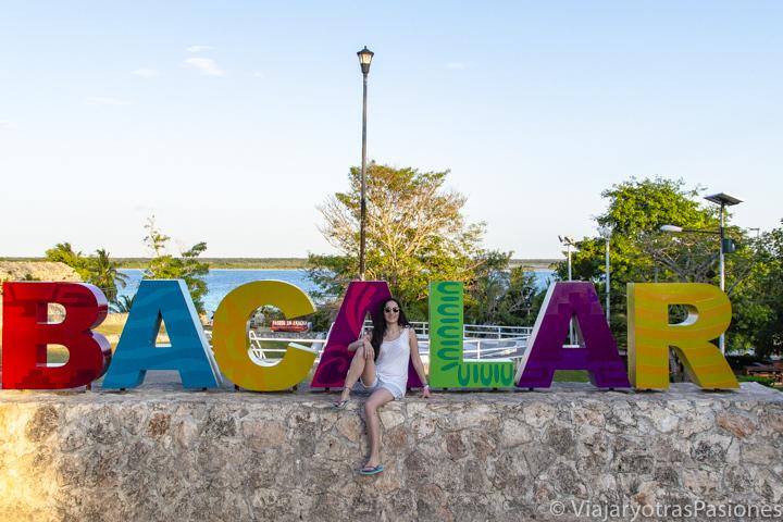 Famoso letrero de Bacalar, en México