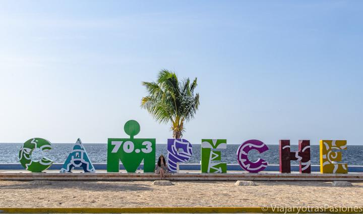 Letrero de Campeche en el Malecón, México