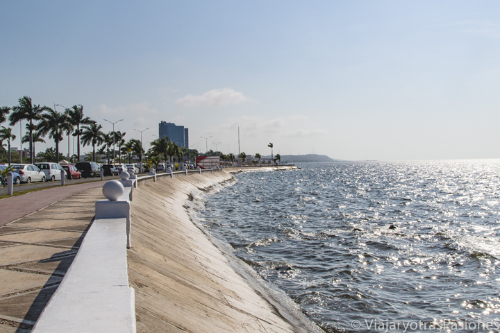 Hermosa vista del bonito Malecón de Campeche, México