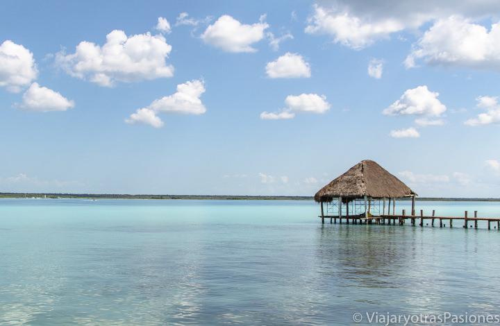 Espectacular vista de la Laguna Bacalar en México
